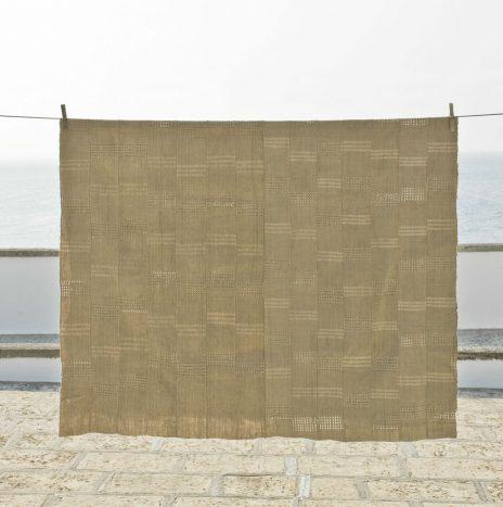 D56 nigerian raw silk shawl 1950s